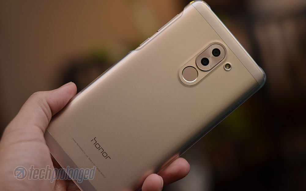 Huawei-Honor-6X-Review-Full-Back-with-Case