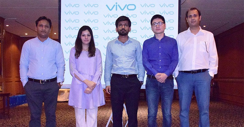 Vivo Pakistan Brand Team