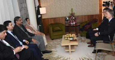 PM Abbasi CEO VEON WEF 2018