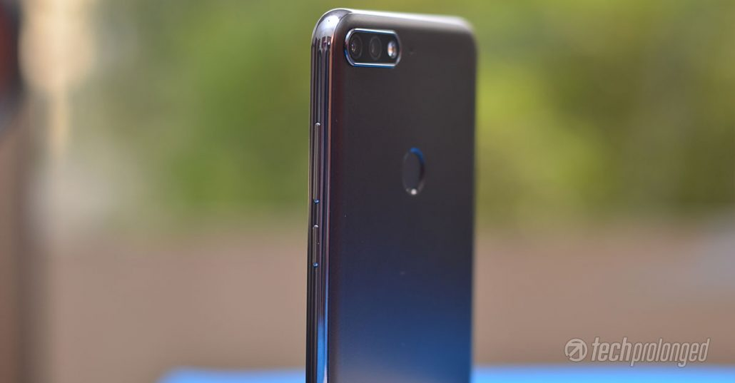 Huawei Y7 Prime 2018 Review Glossy Sides